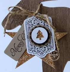 Beautiful tag - can change the center for any occasion!