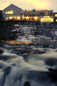 A nice shot of the waterfall that runs through downtown Camden, Maine, truly one of the prettiest little towns in the USA! Oh The Places You'll Go, Places To Visit, Beautiful World, Beautiful Places, Camden Maine, Rockland Maine, Maine In The Fall, All Nature, New Hampshire