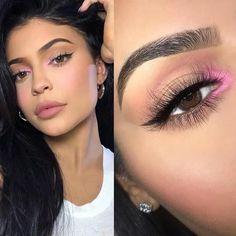 Kylie jenner makeup – Hair and beauty tips, tricks and tutorials Kylie Makeup, Edgy Makeup, Pink Makeup, Cute Makeup, Colorful Makeup, Hair Makeup, Eye Makeup Steps, Makeup Eye Looks, Natural Eye Makeup