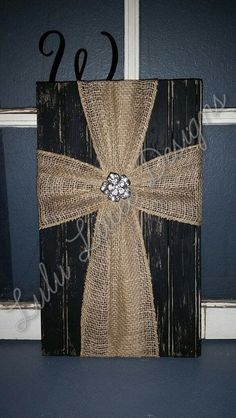 Excellent Burlap Cross Wall Decor by LuLuLucee on Etsy – www.homedecoratin… The post Burlap Cross Wall Decor by LuLuLucee on Etsy – www.homedecoratin…… appeared first on 99 Decor . Burlap Projects, Diy Projects To Try, Crafts To Make, Craft Projects, Arts And Crafts, Diy Crafts, Craft Ideas, Burlap Cross, Cross Wall Decor