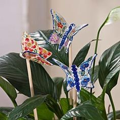 Polish pottery butterfly garden stakes Blue Pottery, Mccoy Pottery, Garden Stakes, Garden Art, Some Beautiful Pictures, Italian Pottery, Pottery Making, Polish Pottery, Pottery Ideas