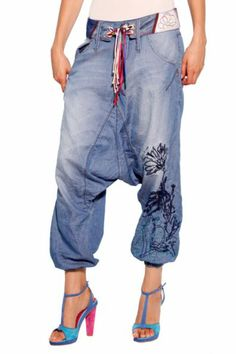 Love love this MC Hammer like pants from Desigual Cinturón Turko Denim trousers