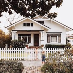 Craftsman-style House Advanced craftsman style house pics y. - Craftsman-style House Advanced craftsman style house pics you'll love - Craftsman Bungalow Exterior, Craftsman Style House Plans, Craftsman Bungalows, Craftsman Houses, White Exterior Houses, Exterior House Colors, White Houses, Small Houses, Black Trim Exterior House