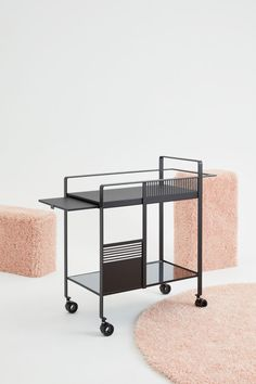 SIM ZQUARE – reinterpretation of a trolley cart with pull-out panel by Katrine Bjørn