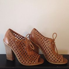 """Selling this """"Gorgeous Hinge sandals bootie heels"""" in my Poshmark closet! My username is: thattlindsay. #shopmycloset #poshmark #fashion #shopping #style #forsale #hinge #Shoes"""