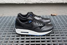 Deluxe Air Max 1 on deck for Black Friday: http://www.kixandthecity.com/Aw3LL