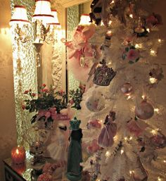 Penny's Vintage Home: Nutcracker Christmas Tree