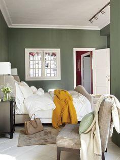 15 dormitorios en verde que invitan al relax Bedroom Green, Home Bedroom, Bedroom Decor, Bedrooms, Bedroom Color Schemes, Bedroom Colors, Shabby Chic, Sweet Home, Farrow Ball