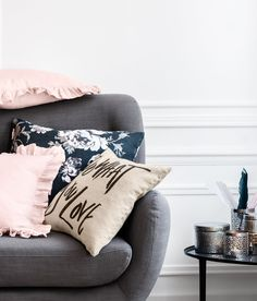 Style your sofa! Cushion cover in woven linen fabric with printed text. #HMHOME