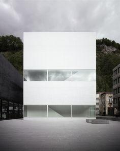 Morger + Dettlis Kunstmuseum Vaduz eingeweiht / Schwarz-Weiß in Liechtenstein - Architektur und Architekten - News / Meldungen / Nachrichten - BauNetz.de