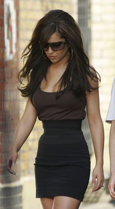 RL black skirt cheryl cole (I try not to pin fashion based predominantly on sex appeal but bear with me on this one - RL) Cheryl Cole Style, Cheryl Ann Tweedy, Cheryl Fernandez Versini, Girls Aloud, Newcastle, Lady, Celebrity Style, Sexy Women, Long Hair Styles