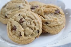 I thought perhaps I would the end the week with some sweets. I've had this recipe pinned for quite some time and thought it was time to try out these fancy cookies. Although, I made some adjustment...