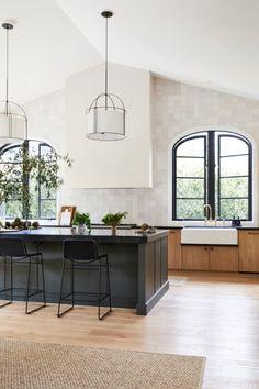 Kitchen Dinning, Kitchen Decor, Kitchen Design, Kitchen Ideas, Kitchen Taps, Dining Room, Modern Farmhouse Kitchens, Home Kitchens, Dream Kitchens