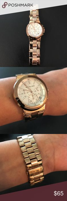 Michael Khors Women's Midsize Rose Golden Watch Never been worn stylish watch. It does need a battery since it's been sitting in its box. Great for casual or evening wear. Michael Kors Accessories Watches