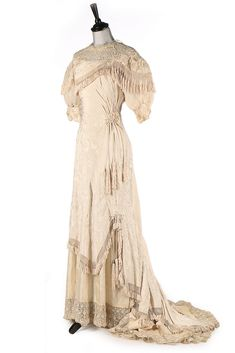 Wedding dress, Cantonese silk, no location available, ca. 1910