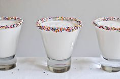 Cake batter martinis -- made with UV cake vodka and Godiva white chocolate liquor....i think this will be part of my birthday!! Cream Liqueur, Pinot Noir, Cocktail Drinks, New Year's Eve Cocktails, Party Drinks, Party Party, Holiday Cocktails, Vodka Cocktails, Martinis