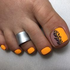Pretty babies, summer is here. Are you ready for cute, trendy, and chic toes nail toenail art ideas to Copy for daily look, valentine Yellow Toe Nails, Toe Nail Color, Toe Nail Art, Nail Colors, Acrylic Nails, Feet Nail Design, Toe Nail Designs, Glitter Pedicure Designs, Pretty Toe Nails