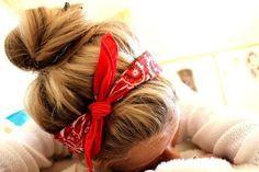 Use a bandana to hold back your hair and still look cute on a bad hair day! Ombré Hair, Hair Dos, Blonde Hair, Girl Hair, Hair Band, My Hairstyle, Pretty Hairstyles, Country Hairstyles, Camping Hairstyles