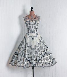 ~Adorable Black & Ivory Flocked Floral 1950's Dress....~