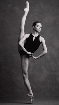 Natasha Sheehan-Corps de Ballet at San Francisco Ballet-De instagram.com