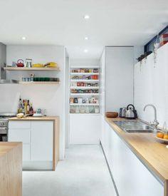 Stylish-Kitchen-With-Open-Shelving-40.jpg 622×727 pikseliä