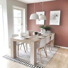 Rosa dager: Se hvor fint det ble når malte med LADY Pure Color i fargen 2856 Warm Blush! Warm Dining Room, Dining Room Walls, Dining Room Design, Home Living Room, Living Room Decor, Room Wall Colors, Dining Room Inspiration, Ikea, House Design