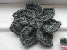Crocodile stitch flower