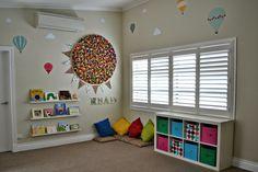 chambre d'enfant et meuble de rangement