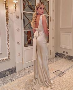 Valentina Ferragni Valentina Ferragni, Night Looks, Bridesmaid Dresses, Wedding Dresses, Dress Me Up, Moschino, Beautiful Dresses, Dressing, Jumpsuit