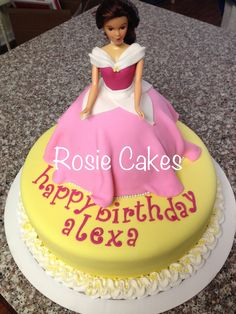#girl #birthday #sleepingbeauty #pink #princess #cake #fondant