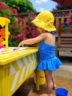 A Lovely Lark: How to Make Your Own DIY Water Table