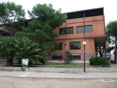 Zaragoza, Spain. Biblioteca Pública Municipal Javier Tomeo (El Rabal). Encontrarás lo referente a esta biblioteca en http://www.zaragoza.es/ciudad/educacionybibliotecas/bibliotecasmunicipales/detalle_Centro?id=913