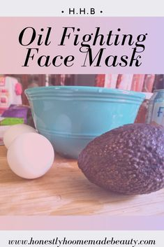 This oil fighting face mask is perfect for anyone who struggles with oily skin. It regulates oil production which decreases the amount of breakouts that occur. #beautyhacks #beautylab #naturalbeauty #naturalbeautyhacks #naturalbeautyproductsdiy