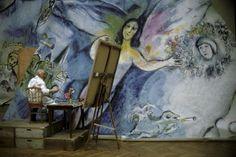 Marc Chagall peignant l'Ange de Mozart - 1964 - Photo Izis (Sofitel Paris Arc de Triomphe - Exposition de photos du 13 février au 31 mars 2015)