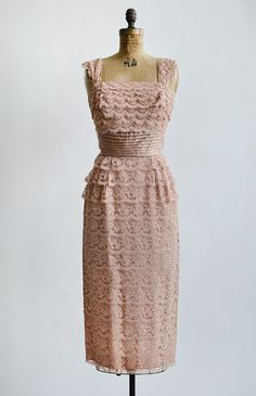 vintage 1950s dusty rose tiered lace cocktail dress