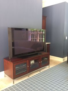 Watercress Springs Estate Sales EASTON CT ESTATE SALE 15 Easton Heights Lane July 29th to 31st - Television Credenza