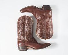 1960s Cowboy Boots: Vintage Justin Brown Leather  https://www.etsy.com/shop/missfarfalla #southwestern #vintagecowboyboots #justinstexas