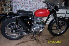 Thanks to Gerry Horn of Oz for this picture of his bike. It is a rare BSA FT. Bsa Motorcycle, Classic Motorcycle, Classic Bikes, Old Bikes, Dirt Bikes, Desert Sled, Trial Bike, Vintage Bikes, Street Bikes