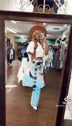 Cute Cowgirl Outfits, Western Outfits Women, Country Style Outfits, Southern Outfits, Rodeo Outfits, Cute Casual Outfits, Outfits For Teens, School Outfits, Western Wear