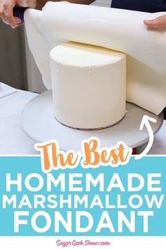 Learn how to make homemade marshmallow fondant! This recipe is a favorite for beginners and professional bakers alike. It's super easy to work with, is great over buttercream cakes, and never tears or Cake Decorating Techniques, Cake Decorating Tutorials, Cookie Decorating, Decorating Cakes, Beginner Cake Decorating, Simple Cake Decorating, Cake Icing Techniques, Professional Cake Decorating, Buttercream Cake Decorating