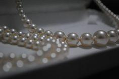 Classic Swarovski Pearl set. Pearl Set, Swarovski Pearls, Handmade Jewellery, Pearl Necklace, Glitter, Classic, Jewelry, String Of Pearls, Jewellery Making