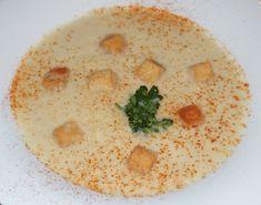 Velouté d'endives et poireaux Chips, Hummus, Entrees, Grisaille, Ethnic Recipes, Comme, Cream Soups, Kitchens