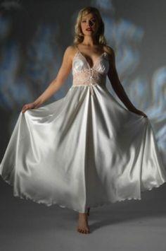 Elegant Satin Nightdress Jane Woolrich 28746P