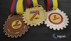Medallería corte especial en oro, plata, bronce, esmaltadas y en relieve.
