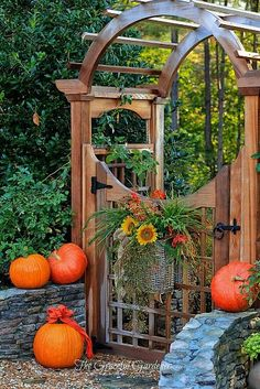 Beautiful gate, would love to eventually fence in a small garden. Create not only a place to grow  food but to relax maybe add flowers and a nice chair to sit and read.