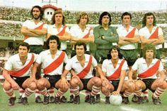 1973. River Plate - Parados: Pellerano, Merlo, Wolff, Fillol, Pena y Bottaniz. Agachados: Mastrángelo, Juan J. López, Morete, Alonso y Ghiso