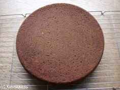 Aito suklaakakkupohja Piece Of Cakes, Candy, Baking, Sweet, Desserts, Food, Celebrations, Ideas, Tailgate Desserts