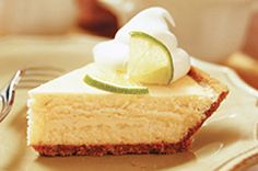 Cant decide between key lime pie and cheesecake? This creamy lime cheesecake baked in a graham crumb pie crust combines two favourites in one. Brownie Desserts, Oreo Dessert, Mini Desserts, Coconut Dessert, Summer Desserts, Key Lime Cheesecake, Easy Cheesecake Recipes, Pumpkin Cheesecake, Pie Recipes