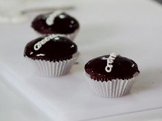 Black and White Cupcakes Recipe : Sandra Lee : Food Network - FoodNetwork.com