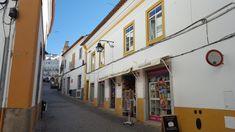 O que fazer em Évora, a capital do Alentejo – Na dúvida embarque Wine Vineyards, Travel, Places To Visit